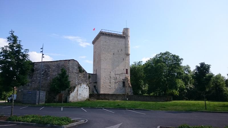 MARCHE TOUR DE L'HONNEUR